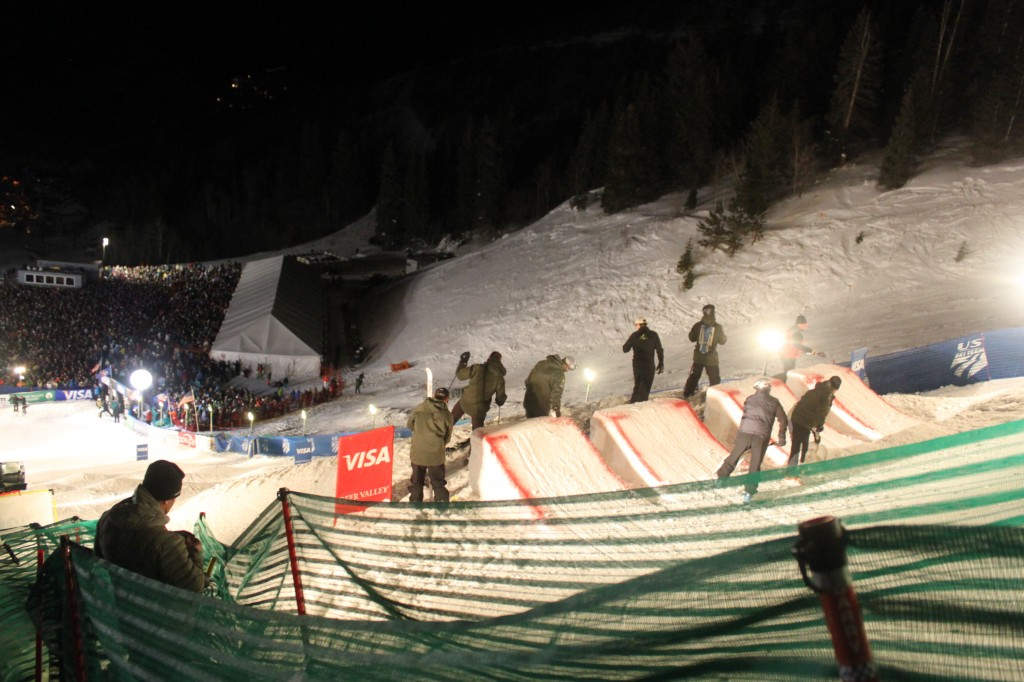 Moguls Final Night 351