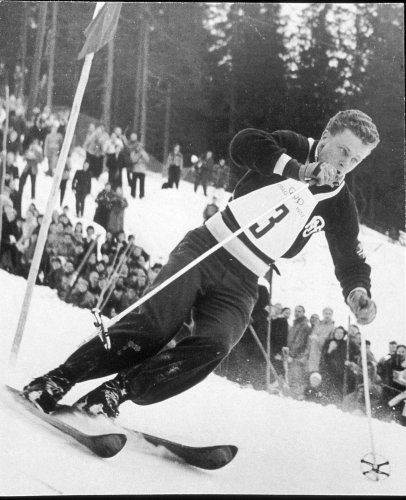 Stein Eriksen races in the Oslo Olympics.