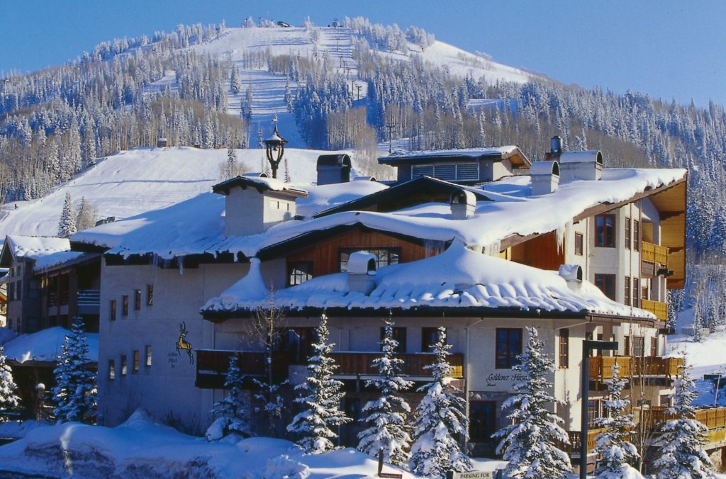 deer valley ski lodge resort Deer valley resort company lp owns and operates a ski resort in park city the  company offers lodging and dining, horseback riding, standup paddle.