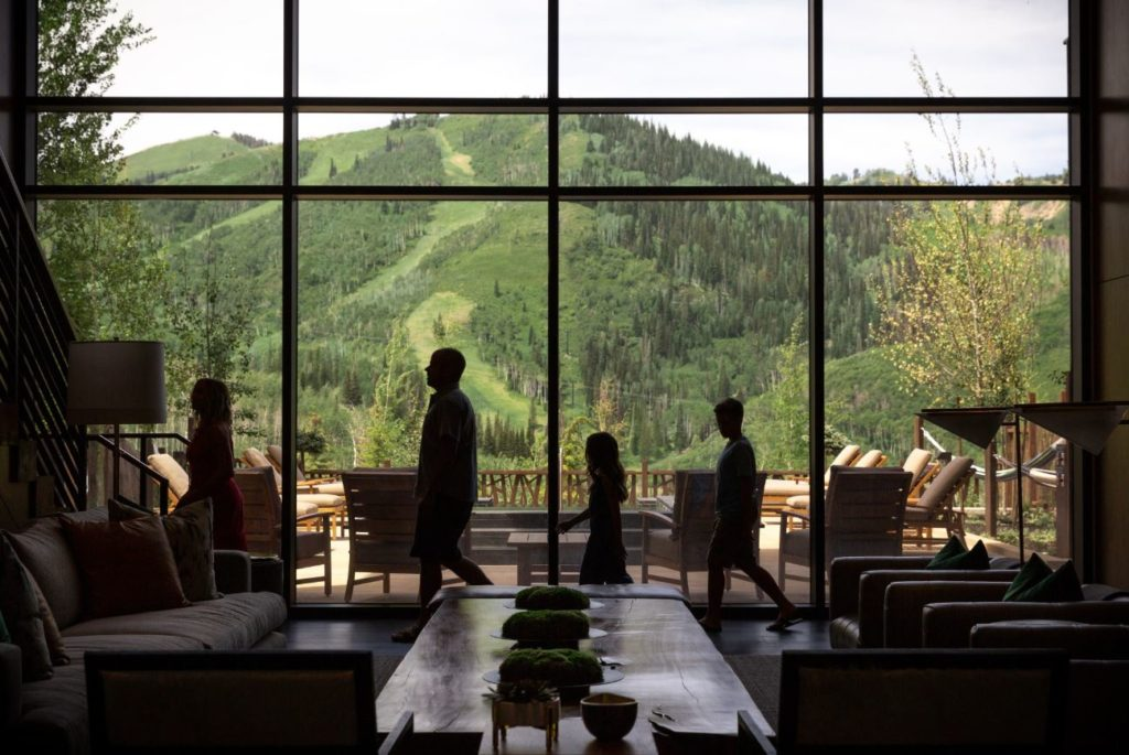 Family Lodging Hotel with Views