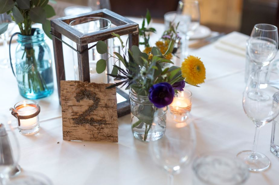 table arrangements with flowers and table number